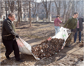 В первом весеннем общегородском субботнике приняли участие 400 сотрудников «МКС-Брянск»