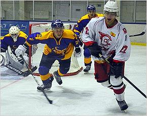 Хоккейный «Брянск» традиционно дважды победил в Новочебоксарске