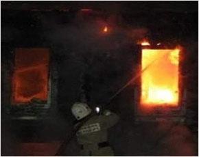 МЧС сообщает: в Брянске сгорел дом, есть жертвы