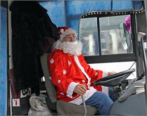 С 25 декабря автобусы в Брянске будут водить Деды Морозы