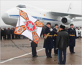 Сещинскому авиаполку вручено новое Боевое знамя