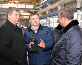 Клинцовский автокрановый завод попросил у главы региона участок для расширения