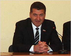 Глава Брянска пообещал всем общественным организациям бесплатные помещения