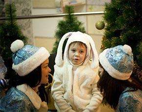 Костюмы зайчика и снежинки до сих пор самые популярные на детских утренниках