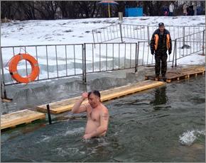 В Крещенские купели в Брянской области окунулись 20 тыс. человек (ФОТО)