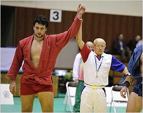 Брянские самбисты Осипенко и Ульяхов примут участие в международном турнире