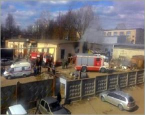 МЧС сообщает: в среду в Брянске горели два гаража, в Стародубском районе — торговый вагончик
