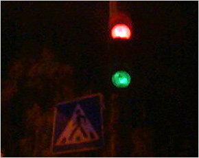 На светофоре у ЦУМа легковушкой сбит семилетний школьник