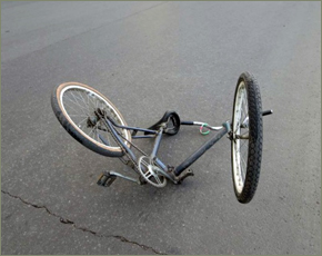 Аварийный четверг: в Погаре пенсионерка на велосипеде угодила под «КамАЗ»