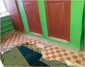 За рухнувший потолок в дятьковском общежитии директор УК заплатит 5 тыс. рублей