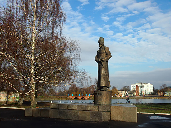 nzb_dybenko_monument1