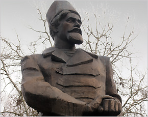 Новозыбков: по следам матроса-военачальника, создававшего Красную Армию