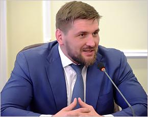 Виталий Минаков устроит драку перед выборами в Госдуму. В Bellator