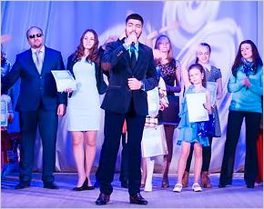 Григорий Расоян завоевал шестнадцатый «Хрустальный микрофон» Брянского района
