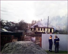 МЧС сообщает: в среду в Брянске сгорел блок сараев и баня, в Супонево — дом