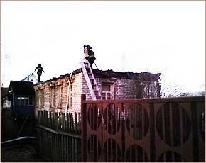 МЧС сообщает: в брянских пожарах понедельника есть спасённый