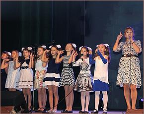 В честь 120-летия в Фокинке устроили «Весеннюю мозаику»