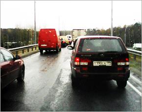 Дорожные работы создали гигантские пробки сразу на двух въездах в Брянск