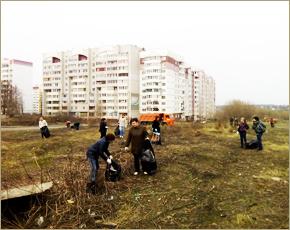 На первый весенний субботник в Брянске вышел каждый третий