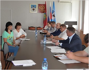 Юрий Гапеенко провёл в Карачеве приём с видеоконференцсвязью