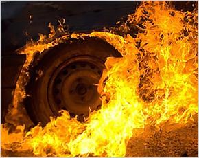 ГУ МЧС сообщает: 11 сентября стало днём автопожаров — горели два авто и магазин запчастей