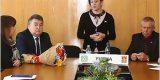Валентина Миронова на первом выездном приёме разбиралась с советским паспортом