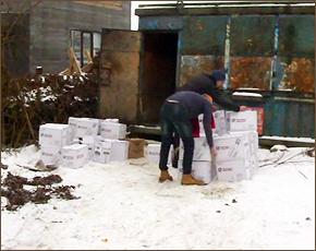 Брянские полицейские изъяли перед Новым годом 15,5 тыс. бутылок «левого» алкоголя