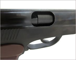 В Брянске налётчик с игрушечным пистолетом ограбил офис микрозаймов