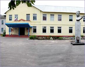 Срок грозит подрядчику, завысившему ремонт фасадов школы в Выгоничах