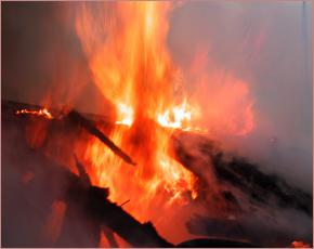 Ночью в Стародубе горел дом — погиб мужчина