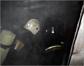 МЧС сообщает: в Брянске из задымлённого подъезда спасено два человека
