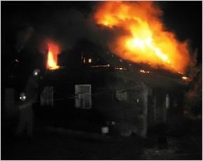 В навлинских Клюковниках утром 8 января сгорел жилой дом