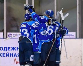 Хоккейный «Брянск» потерял практически все шансы на выход в плей-офф первенства НМХЛ