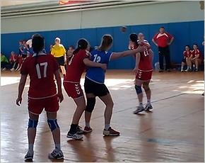 Гандболистки «Сокола» выиграли два первых матча заключительного тура высшей лиги
