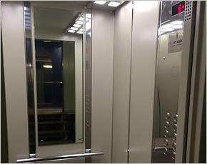 Дома «Надежды» получают современные энергосберегающие лифты