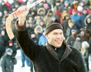 Николай Валуев прокомментировал скандальный матч чемпионата России по хоккею с мячом