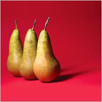 Жителям Брянской области вместо картошки снятся обрезанные груши с салом