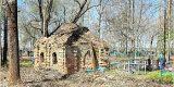 В новозыбковском селе расчистили кладбище и нашли старинную часовню