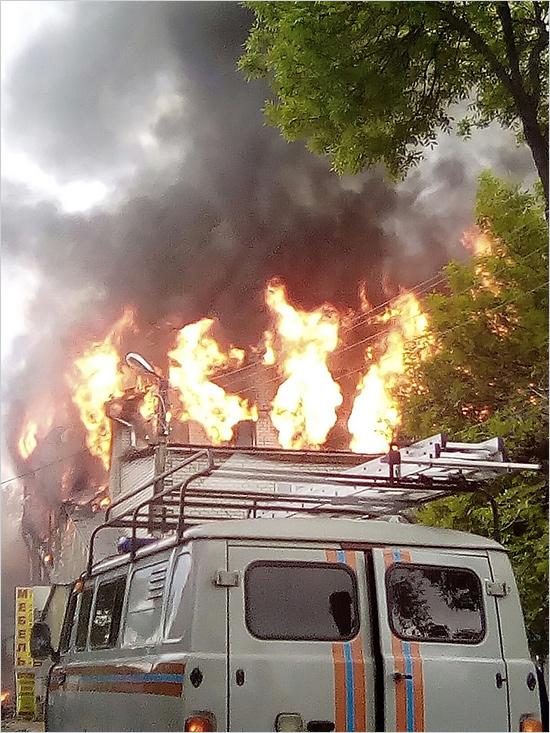 В Клинцах сгорел оптовый рынок на глазах у его владельца (ФОТО)
