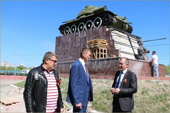 В Фокинке отремонтирован памятник танкистам (ФОТО)