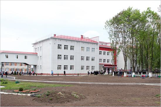 Замминистра образования открыла в Снежской гимназии новую пристройку на 500 мест