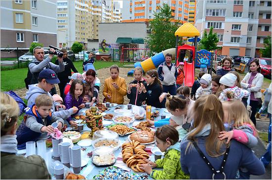 В Брянске управляющие компании и ТСЖ провели День соседей