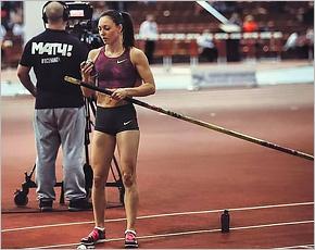 Брянская прыгунья с шестом победила на легкоатлетическом шоу в Перми