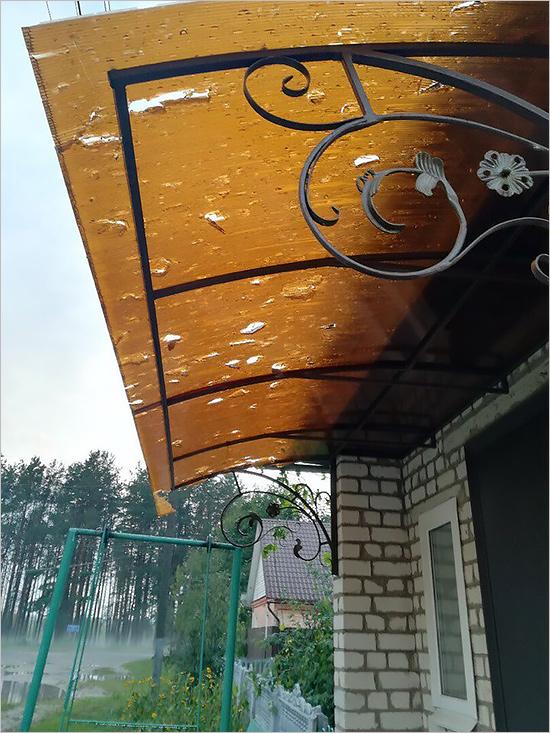 От града в Бежице пострадали женщина и двое детей - очевидцы