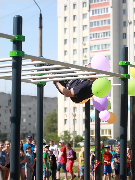 Развитие брянского дворового фитнеса: открыта третья площадка в областном центре