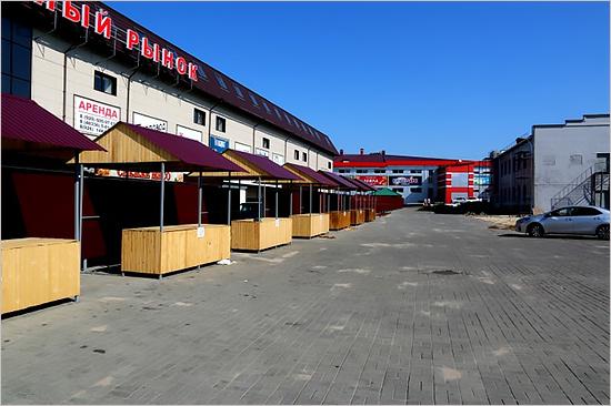 В Клинцах на новом фермерском рынке установлены бесплатные торговые места