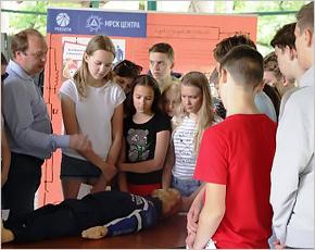 Сотрудники «Брянскэнерго» летом провели более ста занятий по электробезопасности