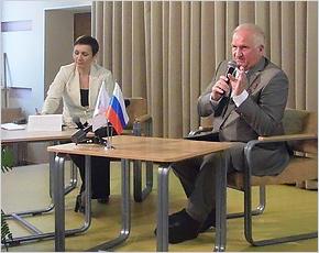 «Знайте, что вы – победители»: космонавт Виктор Афанасьев провёл урок «Россия, устремлённая в будущее»