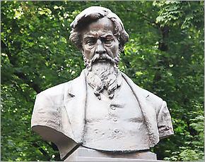 200-летие А.К.Толстого отметили в театре с губернатором, в Красном Рогу — без него