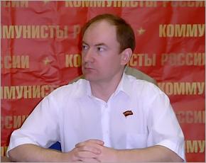 Кандидат в Госдуму от «Коммунистов России» Сергей Малинкович намерен сняться в пользу кандидата КПРФ